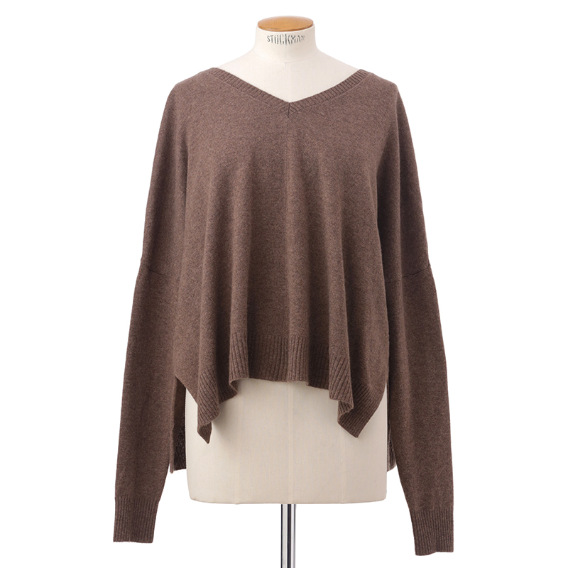 Short slouchy sweater<span>100% cashmere</span>